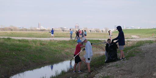 Trinity River Volunteer Day: August Cleanup & Seedball Workshop