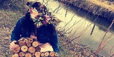 Woodland Crown/wood slice Class Medicine Hat