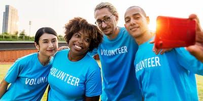 Making+Volunteers.+Creating+Experience+with+u