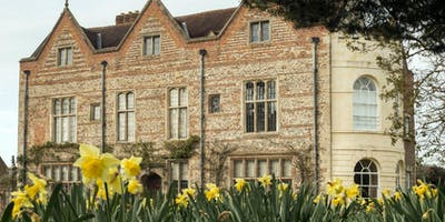 Art classes with Paul Robbens at Greys Court