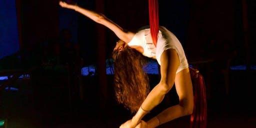 Clase gratuita de telas acrobáticas