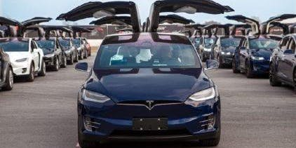 Tesla X - Dance Party