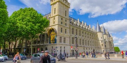 Conciergerie: Priority Entrance