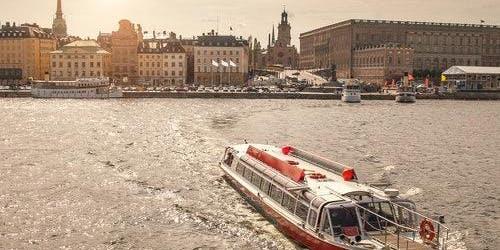 Hop-on Hop-off Boat Stockholm