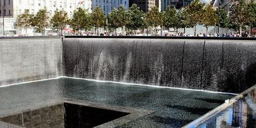9/11 Ground Zero: Guided Tour + 9/11 Memorial & Museum: Skip The Line
