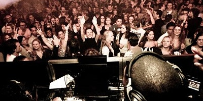 Amsterdam+Nightlife+%26+Clubs+%2B+Free+Drinks