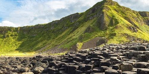 Giant's Causeway Day Tour + Hop-on Hop-off Bus 48H