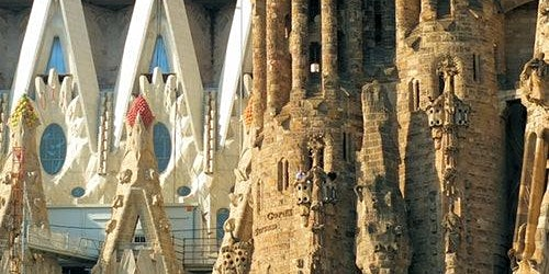 Sagrada Familia: Guided Tour & Skip The Line