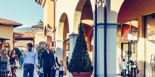 Franciacorta Outlet Village: Roundtrip from Milan