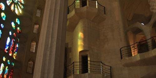 Gaudí Tour & Sagrada Familia: Fast track