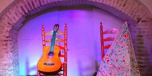 Flamenco + Tapas in Triana: Guided Visit
