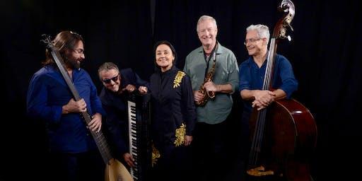 SIGLO DE ORO: canciones barrocas, saxos y teclados electrónicos