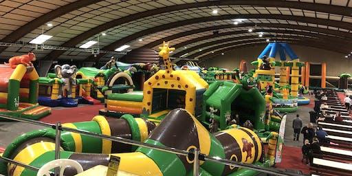 MEGA Jungle Jump Oktoberhallen Zomer