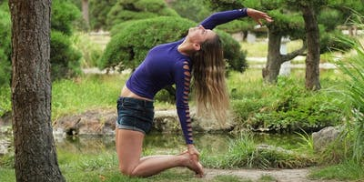 Lunch Break Yoga in the Park - Pop up yoga class i