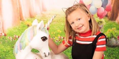 Make a unicorn dreamcatcher and get a mini photo shoot