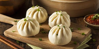 Traditional Chinese steamed buns - baozi - 包子