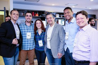 Founder Night Out: Vamos Conversar num Descontraído Happy Hour ingressos