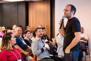 Founder Hotseat: Feedback Honesto dos Principais Empreendedores
