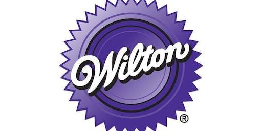 Wilton Class 2: Flowers & Cake Design