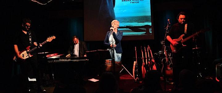 Afbeelding van Blue and Broke in Concert