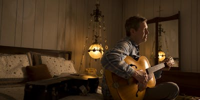 Robbie Fulks presented by 99.1 WQRT's Rhinestone Country