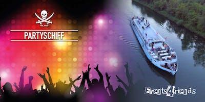 Mega-Feier auf dem Partyschiff