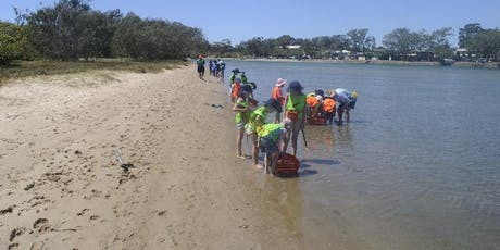 Kids School Holiday Fishing Lesson at Currumbin tickets