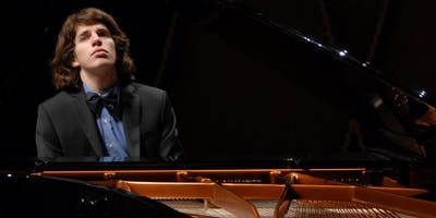 Llewellyn Sanchez-Werner (piano)