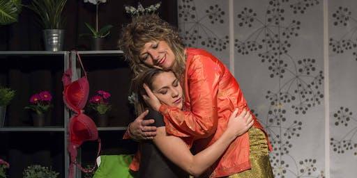 Mi madre, Serrat y yo_Teatro