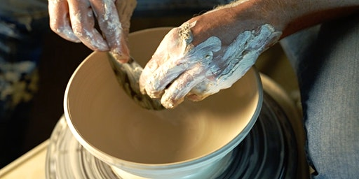 POTTERY CLASS • Beginner pottery course