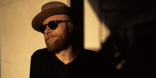 "Mike Doughty Plays Soul Coughing's ""Ruby Vroom"" • The Ghost of Mr. Oberon"