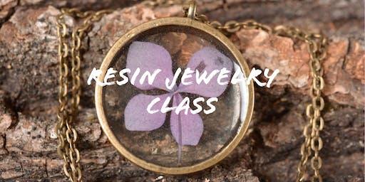Resin Pendant Jewelry Class