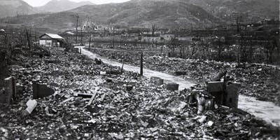 Mass observing the atom bomb