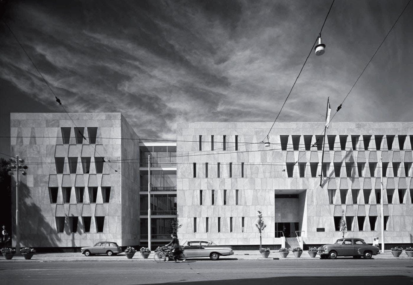 Guided tours: former American embassy in The Hague
