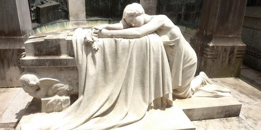 Stories and characters of the Recoleta cemetery (in English)