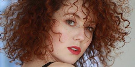 """Blandine Bellavoir lit """"Tenir jusqu'à l'aube"""" de Carole Fives billets"""