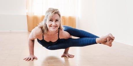 Mythic Sunday Yoga Masterclass im November mit Diana Sans tickets