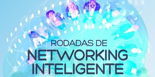 """Rodada de Networking e palestra """"Networking Antes e Depois""""."""