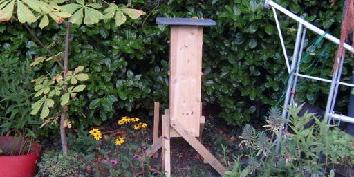 Beekeeping, Introduction to natural honey bee-hosting