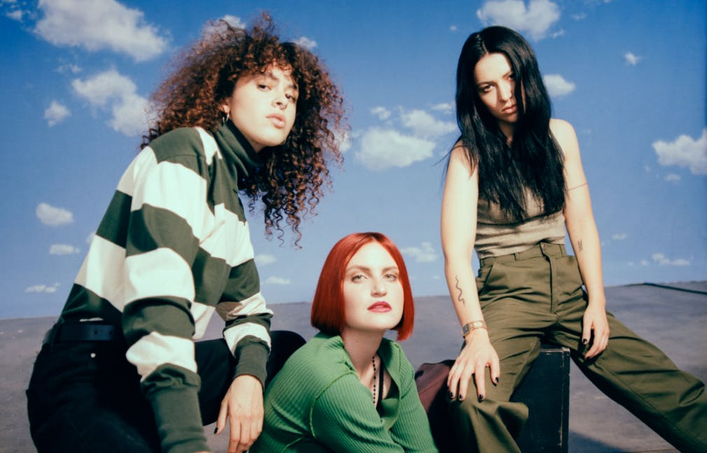 MUNA - SAVES THE WORLD TOUR with Chelsea Jade