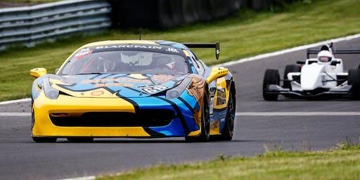Motorsportfotografie hautnah bei Formelfeeling- exklusiver Trackday am Pannoniaring