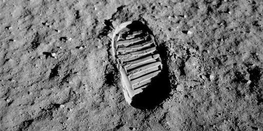 Tre passi sulla luna con HOEPLI & LABO'