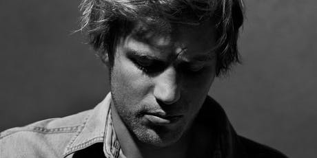 Live Performance by Johnny Flynn as Ziggy Stardust - David Bowie movie tickets