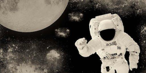 Hay vida en martes: 50 años en la Luna