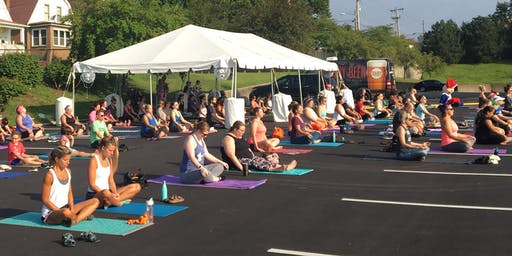 Free Morning Yoga at Schnucks Lake St. Louis