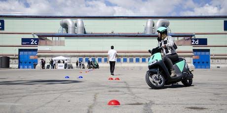 COUP Driving School 2. Aprende a montar en moto eléctrica tickets