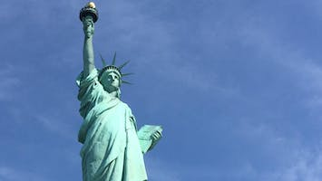 Statue of Liberty Small Group Guided Tour with Ellis Island Access