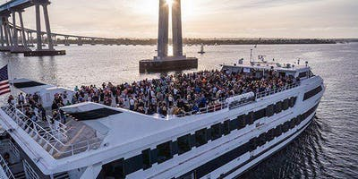 PRE - LABOR DAY BOAT PARTY CRUISE  NEW YORK CITY VIEWS  OF STATUE OF LIBERTY,Cocktails & drinks