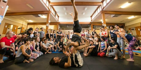 AcroYoga Workshop in Paris w/VanCityAcro billets