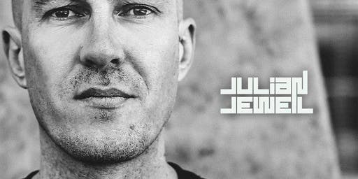 Julian Jeweil // #OnSundaysWeParty // Sanchez 915